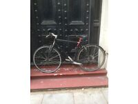 Charge racing/ town/ hybrid black bike unisex/ men's/ women's excellent condition
