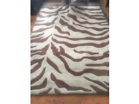 100 % pure wool large rug good condition reduced