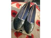 hush puppies size 5 womens shoes New in box
