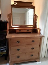 Chest of drawers / dressing table with mirror