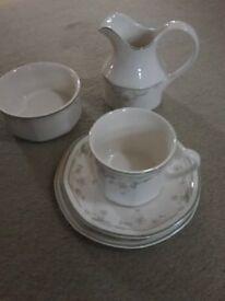 Royal Doulton 18 piece Caprice tea set, milk jug & sugar bowl.