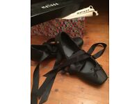 Melissa Shoes - Size 6. Adult. Ballerina flats with removable ribbon lace-ups