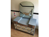 Vintage chest of drawers / dressing table with mirror