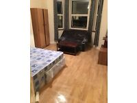 SPACIOUS STUDIO FLAT NEAR VALENTINES PARK ILFORD.
