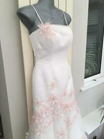 Beautiful Elegant Ivory / Pink Wedding Dress - Size 8
