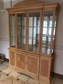 Display unit/hutch in maple wood