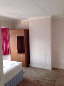 Very Big Double Bedroom in Welling - parking space avaliable