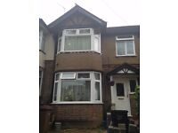 Large Double Room Available to Rent in a Shared House LU2 Area