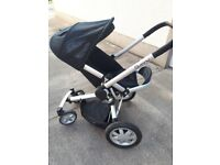 Quinny Buggy travel system. Inc carry cot, buggy, maxi cosi car seat & rain covers