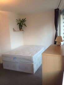 ***Single Room-CLEAN AND QUIET- AMAZING AREA***LIVERPOOL STREET
