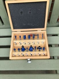 Pack of 15 router bits in case, 10 unused.