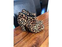 Women shoes size 4 leopard print
