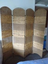 Large 4 panel wicker screen / room divider