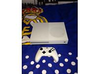 XBOX ONE S BUNDLE GREAT CONDITION