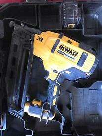 Dewalt DCN660 Nail Gun 2nd Fix