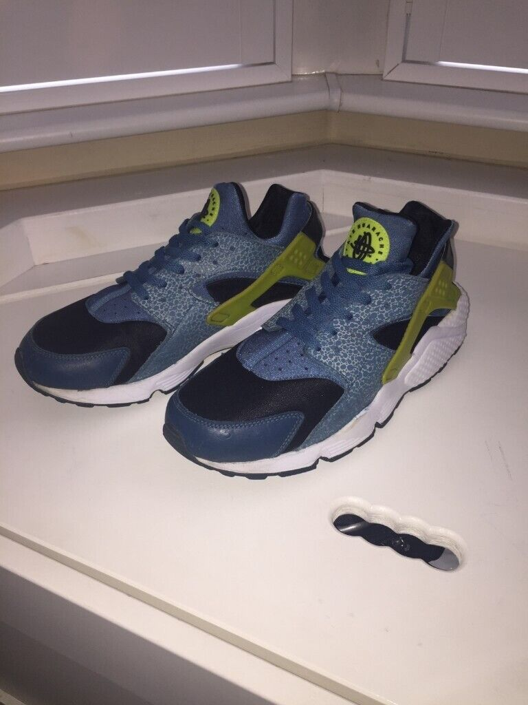 bf8f0b72a29d Nike Huarache Men Trainers Running Shoes Size 11 UK     12 US   46 ...