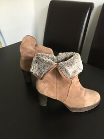 Heel Ankle Boots - Size 7-8 (UK), 41 (EUR)
