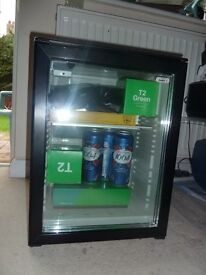awesome mini bar fridge - really good condition and makes drinks really cold - perfect for summer!
