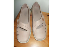 Ladies Hotter Shoes Bliss size 6.