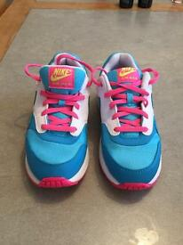 Nike air max trainers for kids size 2, very good condition