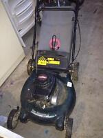 Gas lawnmower. Moving. Quick sale
