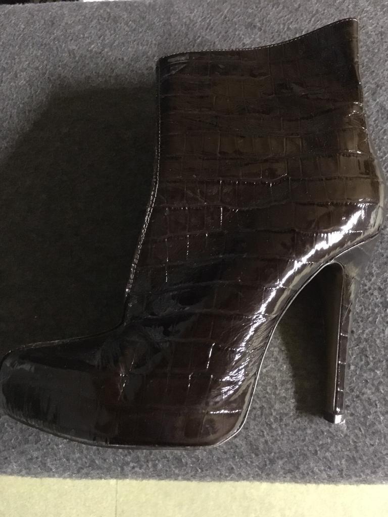 Moda In Pelle Brown Mock Croc Ankle Boots