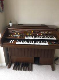 Beautiful electronic piano organ