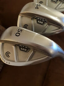 2 X CLEVELAND RTX 588 GOLF WEDGES FOR SALE 50 AND 54 DEGREES