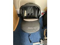 Baby car seat with isofix base