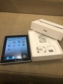 iPad 16GB WIFI Good Condition Box with accessories Collection from the Shop
