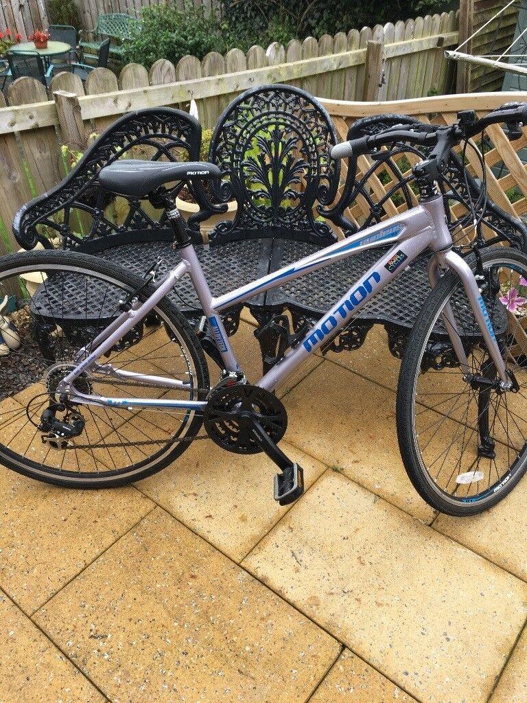 Nearly new hybrid bike and bike rack