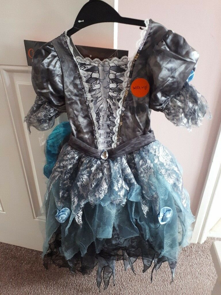 Girls eerie Zombie costume age 5_6