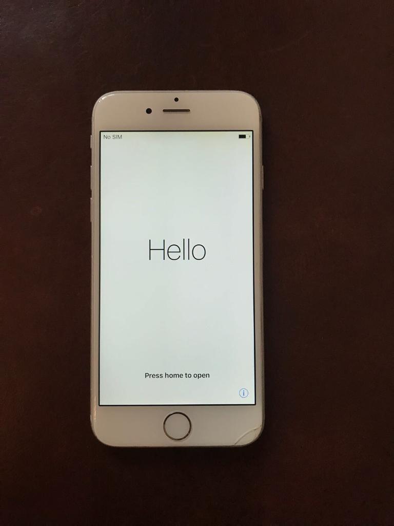 Apple iPhone 6 *** 16GB *** Silver *** Unlocked
