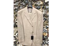 Hogo Boss 100% Linen Suit size 110 = Chest 46 L & Waist Size 38 L UK
