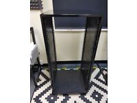 24u 19 inch Black Gloss Studio Rack on wheels
