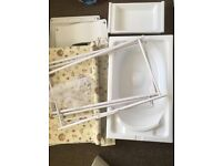 Changing table/bath 2 in 1