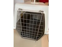 Rosewood Plastic Pet Carrier with Cushion - Large
