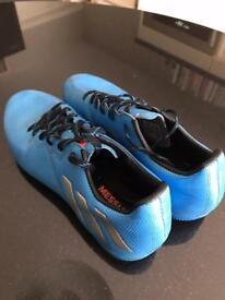 Adidas media football trainers size 8