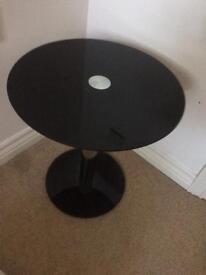 Mini round glass table