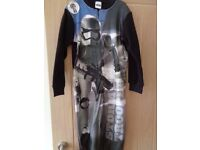 Star War all in one sleepwear age 7/8 Brand new