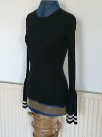 DEREK HEART Flare Sleeve Ribbed Ladies Jumper. Size : M