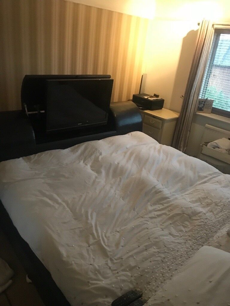 Super King Size Tv Bed With Tv Included In Gatley Manchester
