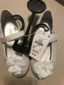 Brand New girls sparkly silver shoes size 7