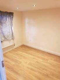 Room to let near sevenkings station