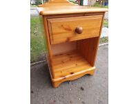 Ducal Victoria solid pine bedside table H62xD40xW44cm. Drawer with dovetail joints