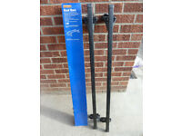 Halfords roof bars & feet (with box & instructions)