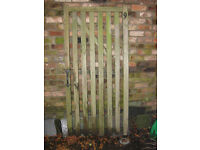 Woden Gate - 84cm x 180cm - Includes handle and post