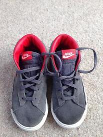 Nike - size 8.5