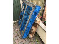 3 wood pallets *FREE*