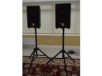 PAIR OF INTIMIDATION SPEAKERS /STANDS & CABLE - POWER -200 WATTS